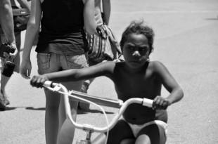 australia_aborigines_child